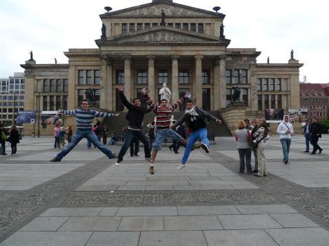 Saltando en Gendarmenplatz